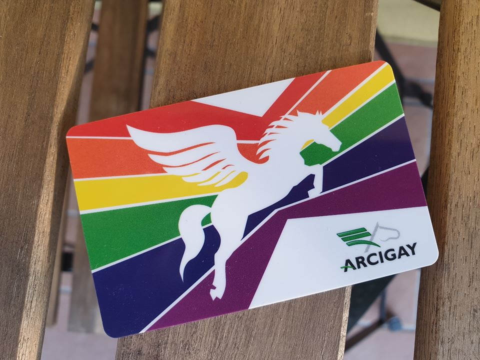 Avviso: la tessera Arcigay non consente l'accesso ad attività commerciali