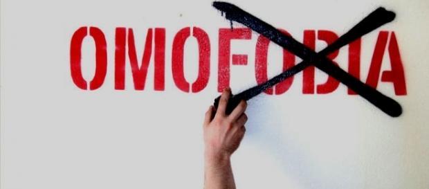 """Omofobia, due aggressioni in pochi giorni a Ragusa. Arcigay: """"Violenza sfrontata"""""""